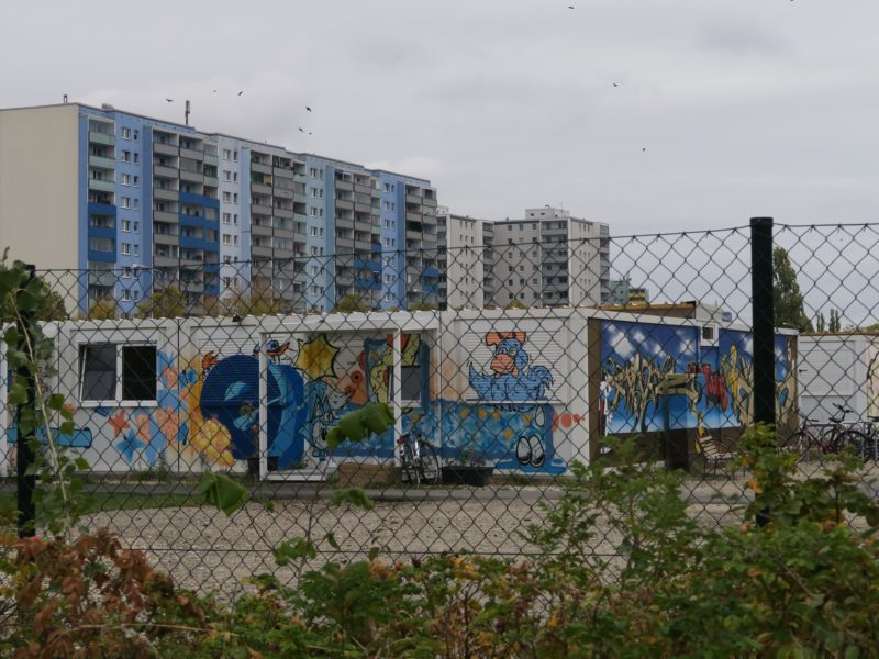 Migrant accommodation as a housing question, and how (not) to solve it